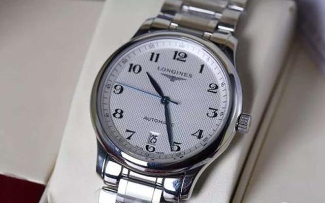 北京浪琴手表维修教你保养浪琴手表表带