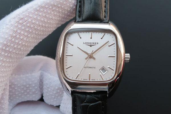 维修服务中心维修好的浪琴手表展示