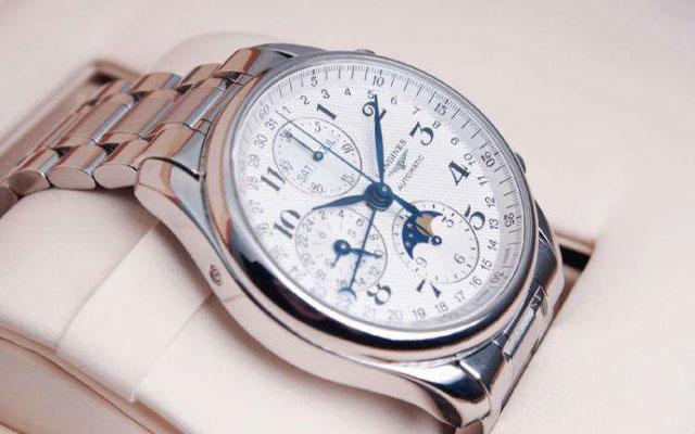 北京浪琴官方维修中心教你保养手表